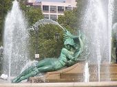 Swann Memorial Fountain In Logan Square junges Mädchen