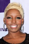 vLOS ANGELES - DEC 16:  NeNe Leakes arriving at the VH1 Divas Concert 2012 at Shrine Auditorium on D