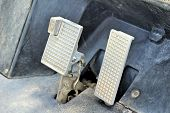 picture of pedal  - Brake and accelerator pedal for cars for runing - JPG