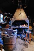 Постер, плакат: Old forge forge in the Middle Ages