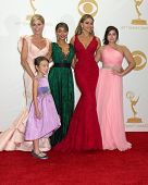 LOS ANGELES - SEP 22:  Julie Bowen, Audrey Anderson-Emmons, Sarah Hyland, Sofia Vergara, Ariel Winter at the 65th Emmy Awards - Press Room at Nokia Theater on September 22, 2013 in Los Angeles, CA