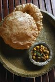 picture of chola  - Chola Bhatura  - JPG