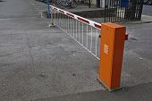 picture of safety barrier  - Closed parking barrier - JPG