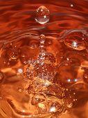 Gotas de água laranja