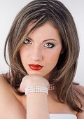 alluring woman with perls