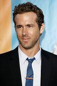 LOS ANGELES - AUG 1:  Ryan Reynolds arriving at