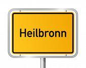 City Limit Sign Heilbronn vor weißem Hintergrund - Signage - Baden Württemberg-Baden-Wurttemberg