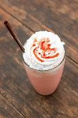 Strawberry Milkshake With Creme