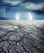 Постер, плакат: Буря в пустыне