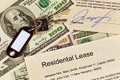 Wohnung Schlüssel und Mietvertrag