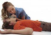 Ressuscitando o menino inconsciente