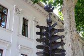 City pointer in Odessa