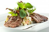 Salad with Grilled Beef and Vegetables