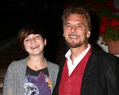 LOS ANGELES - APR 4:  Hana Loggins, Kenny Loggins attends the gala fundraiser for the romantic comedy,