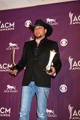 LAS VEGAS - MAR 7:  Jason Aldean in the press room at the 2013 Academy of Country Music Awards at the MGM Grand Garden Arena on March 7, 2013 in Las Vegas, NV