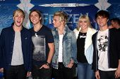 LOS ANGELES - NOV 19:  R5, including Ross Lynch at the