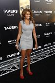 LOS ANGELES - AUG 4: Claudia Jordan at the World Premiere of Takers, held at the Arclight Cinerama D