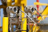 image of crude  - Pressure transmitter in oil and gas process  - JPG
