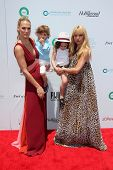 LOS ANGELES - MAY 17:  Molly Sims, Brooks Stuber, Skyler Berman, Rachel Zoe at the Ovarian Cancer Re
