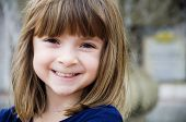 picture of little girls  -  Portrait of a pretty little girl with bright smile - JPG