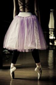 foto of ballet dancer  - ballet dancer on her toes - JPG