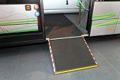 Puerta Bus con discapacidad