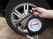 foto of air pressure gauge  - Close - JPG