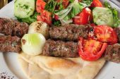 image of kababs  - Beets of chicken and meat on pita bread - JPG