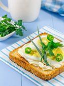 foto of green onion  - Breakfast sandwich with eggs - JPG