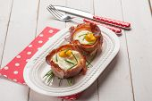 image of chives  - speck bowl with eggs and chive - JPG