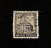 Índia - por volta da década de 1970: Um selo imprimido em shows de Índia rayssa templo, por volta da década de 1970