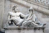 Statua Tevere N.2