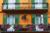 Detalles arquitectónicos en Cortina d Ampezzo, Italia
