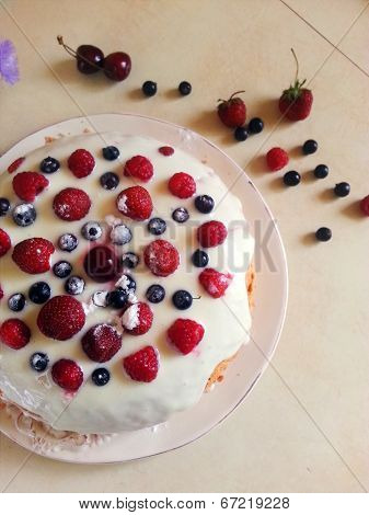 Постер, плакат: pie with berries, холст на подрамнике