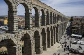 image of aqueduct  - Tourism - JPG