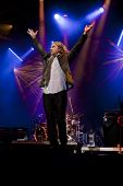 CLARK, NJ - SEPT 16: Lead singer Ed Roland of the band Collective Soul performs at the Union County