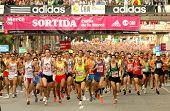 BARCELONA - SEPT 28: Runners on start of Cursa de la Merce popular race in Montjuich Mountain on Sep