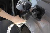 Usa_15 ciento Galon gasolina barata
