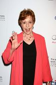 LOS ANGELES - JUL 22:  Carol Burnett arrives at