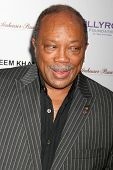 Quincy Jones at the DESIGNCARE 2007 Fundraiser to benefit those battling debilitating disease and li