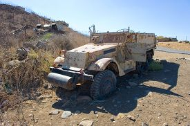 pic of panzer  - Army truck left of the yom kippur war on  - JPG