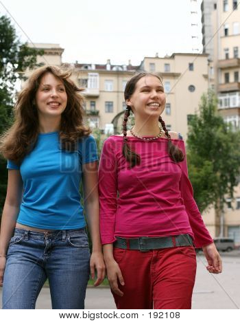 poster of Two Happy Girls In A City