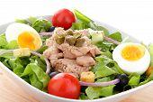 mediterranean salad whit tuna egg end tomato