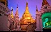 Shwedagon Paya, Yangoon, Myanmar.