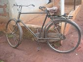 picture of early 60s  - An old bicycle used in early 60s - JPG