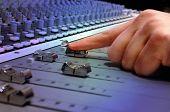 Consola de mezcla de estudio de grabación