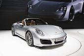 Постер, плакат: 2016 Porsche 911 Carrera S Cabriolet