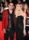 LOS ANGELES - NOV 18:  Ashlee Simpson & Evan Ross arrives to the