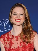 LOS ANGELES - APR 29:  Sarah Drew arrives to the