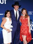 LOS ANGELES - APR 29:  Patricia Heaton, Trace Adkins & Sarah Drew arrives to the